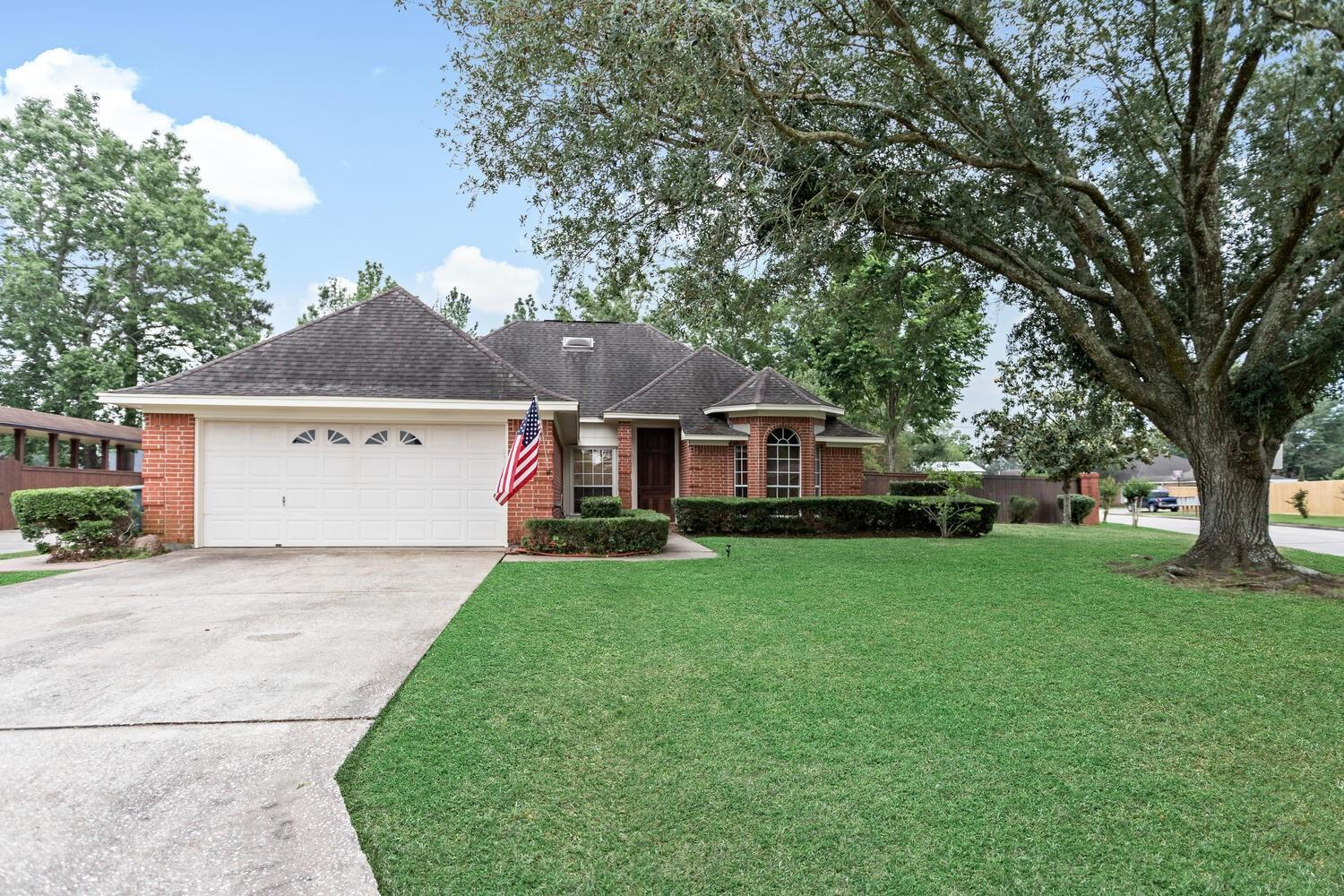 4585 Ford Street Property Photo