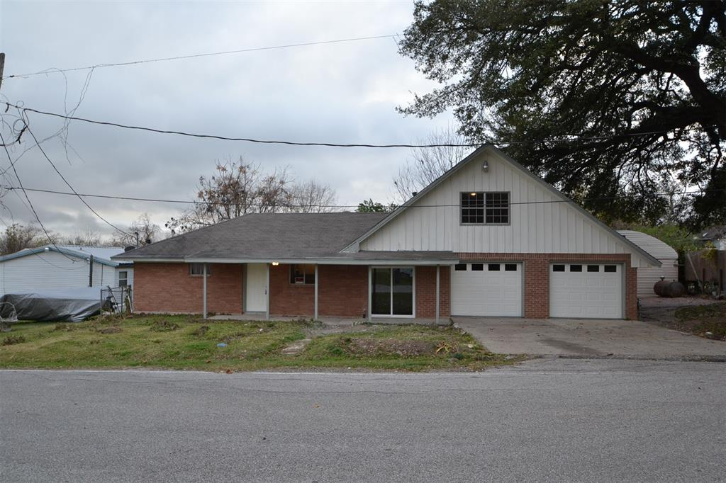 110 S 9th Street, Highlands, TX 77562 - Highlands, TX real estate listing