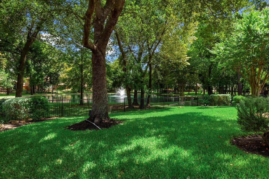 9510 Bayou Lake Lane Property Photo - Houston, TX real estate listing