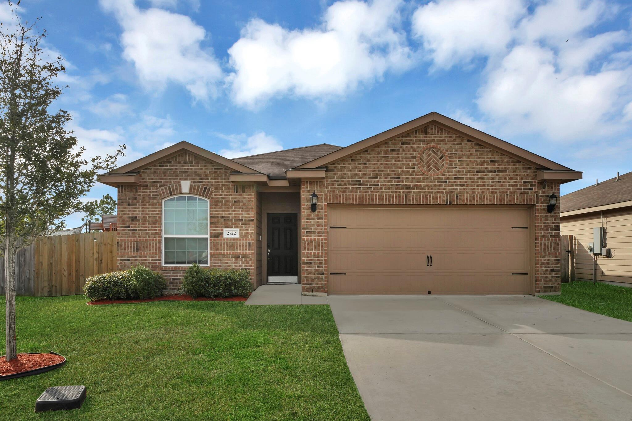 2722 Tracy Lane Property Photo - Highlands, TX real estate listing