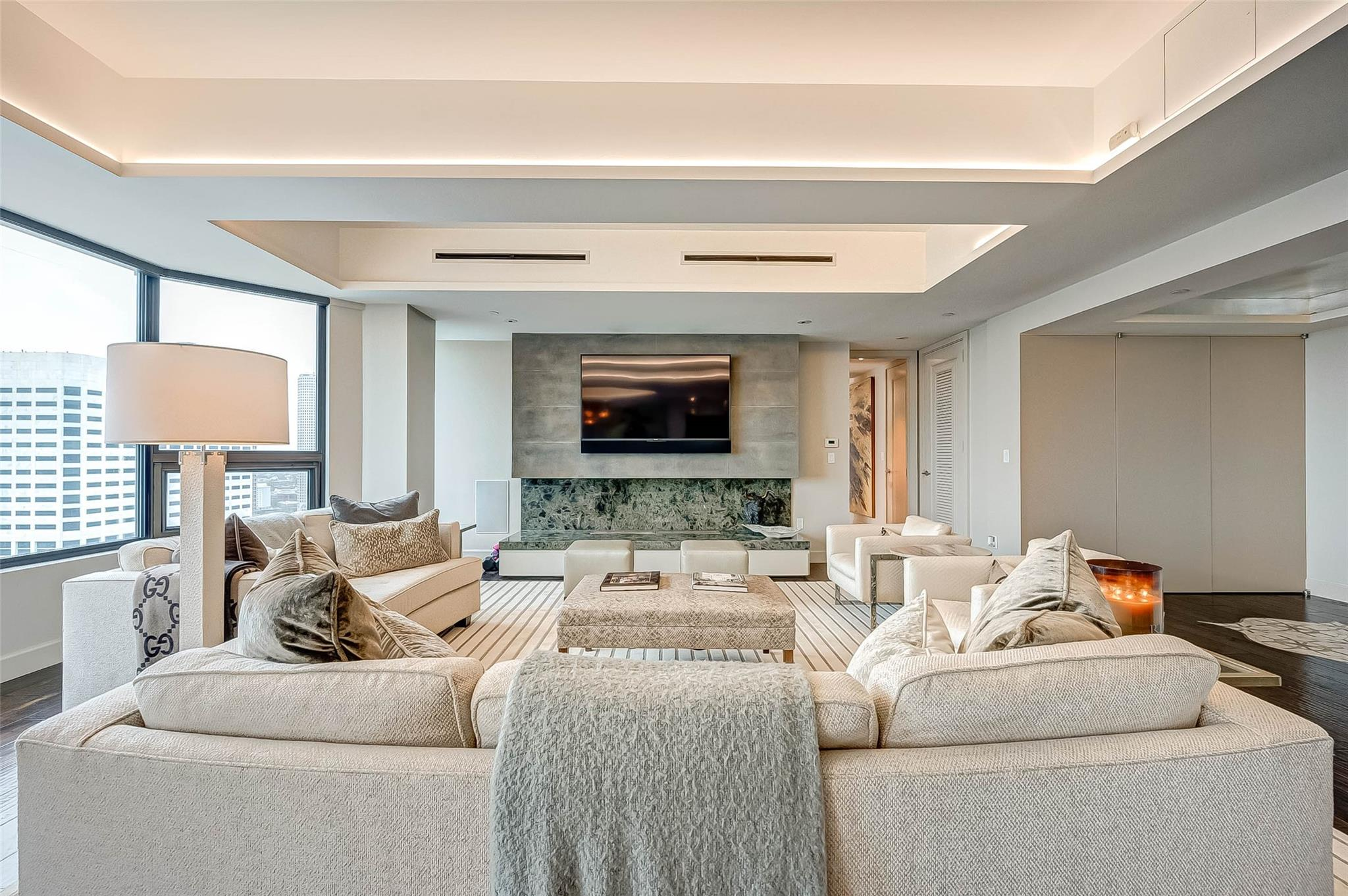 77010 Real Estate Listings Main Image