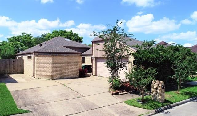 8023 Cobblefield Property Photo