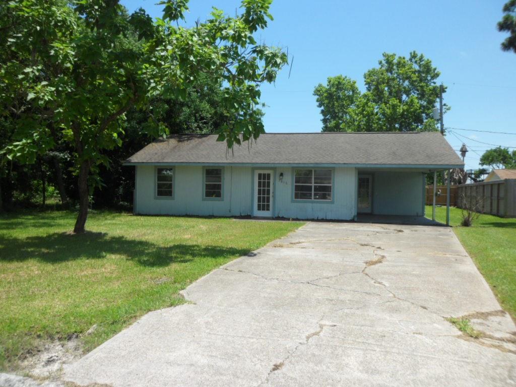 7816 Bayview Drive Property Photo