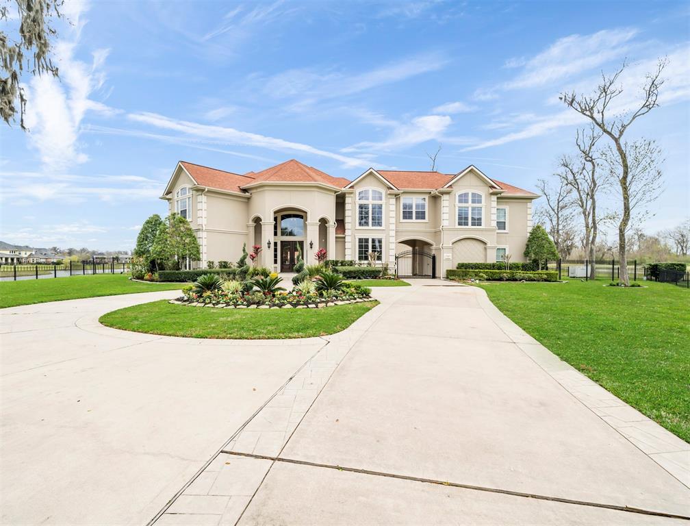 34 Sanctuary Trail Property Photo - Missouri City, TX real estate listing