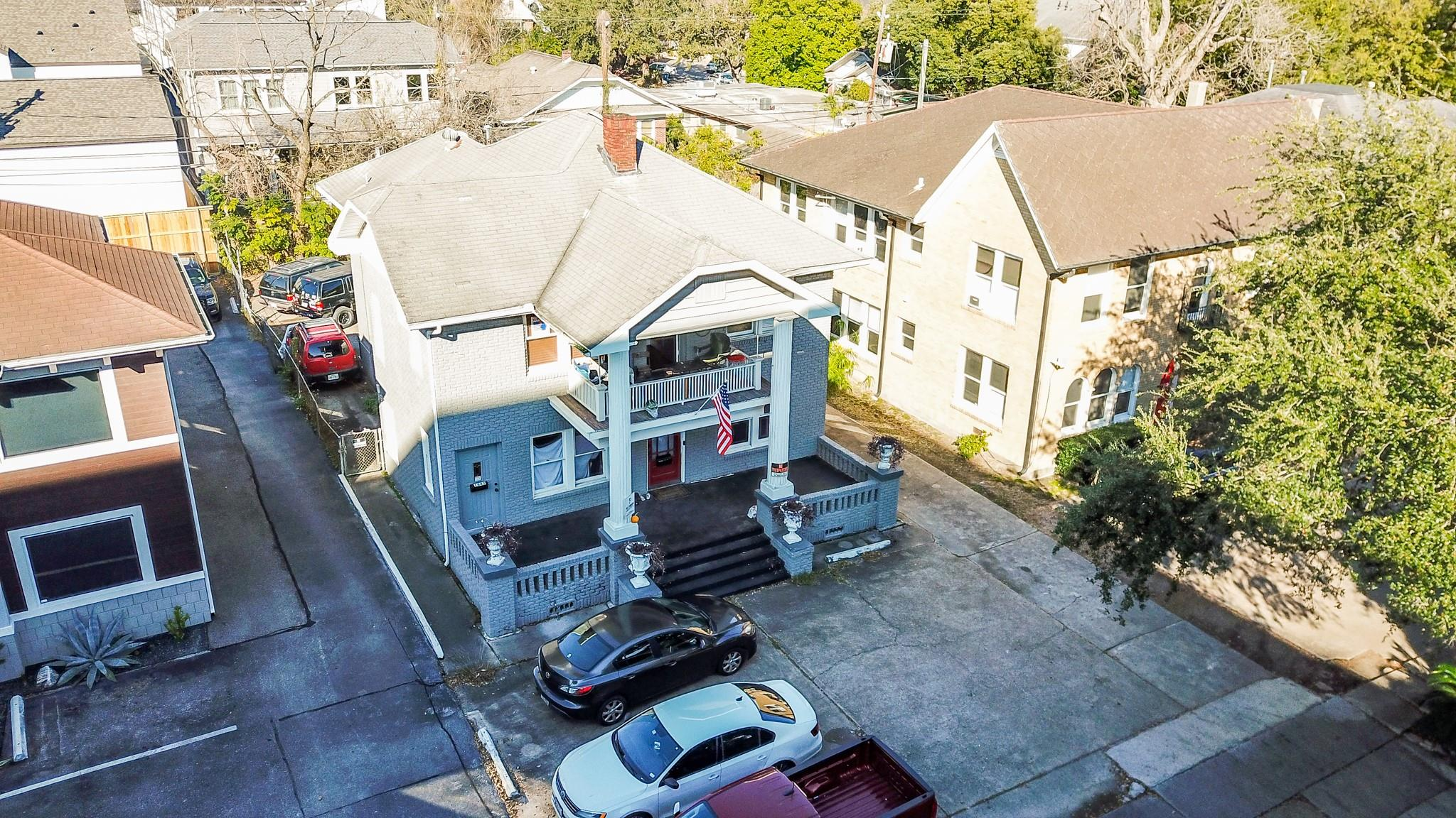 1640 W Alabama Street Property Photo 1