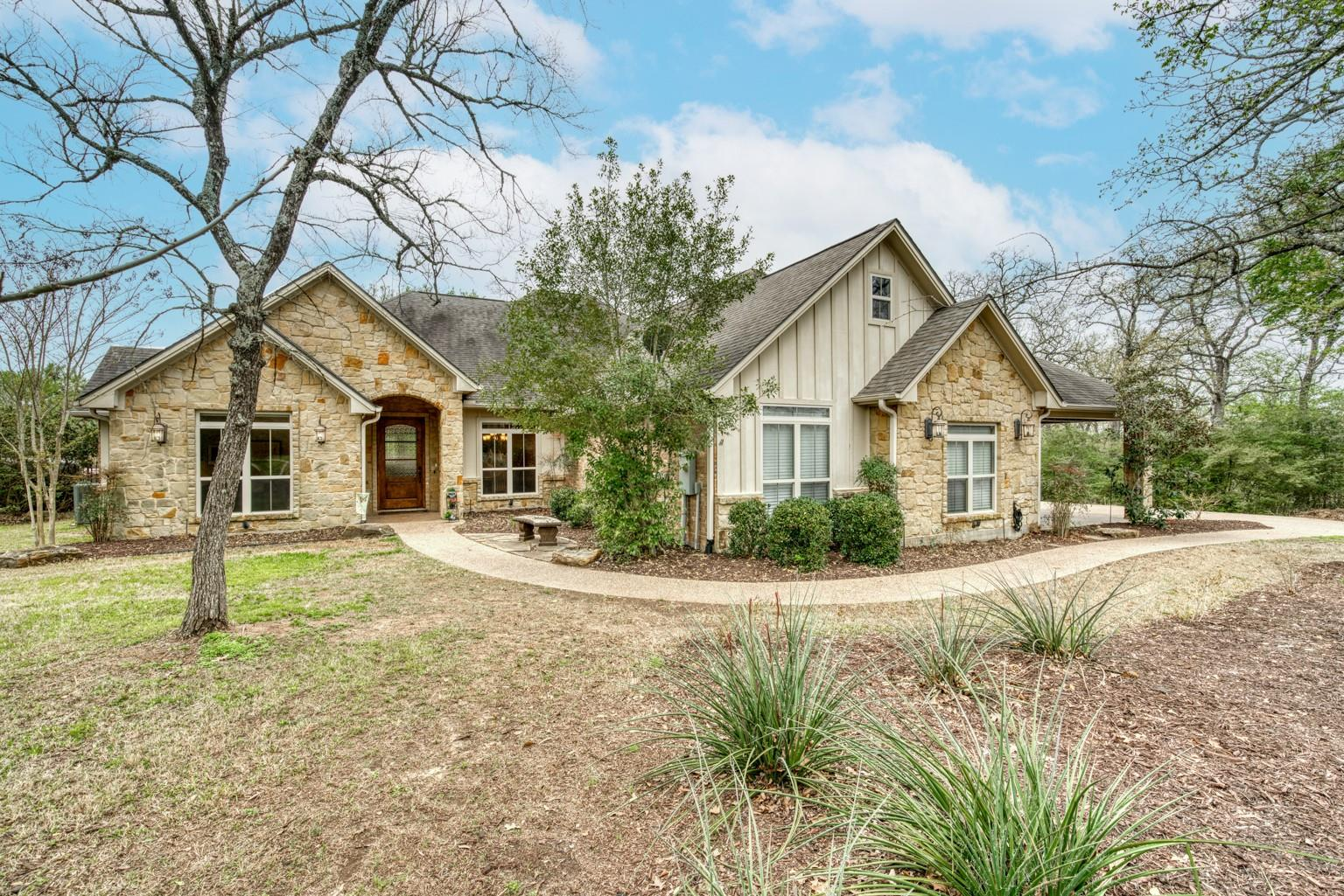 17336 Sioux Springs Drive Property Photo - College Station, TX real estate listing