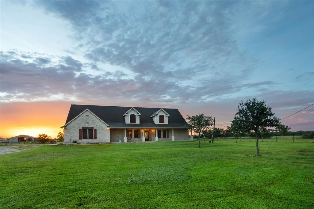 16150 County Road 522 Property Photo - Guy, TX real estate listing