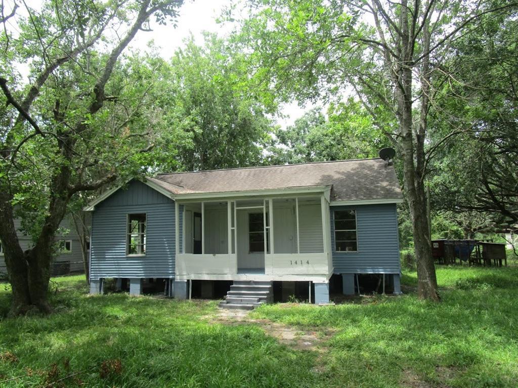 1414 Avenue K, Danbury, TX 77534 - Danbury, TX real estate listing