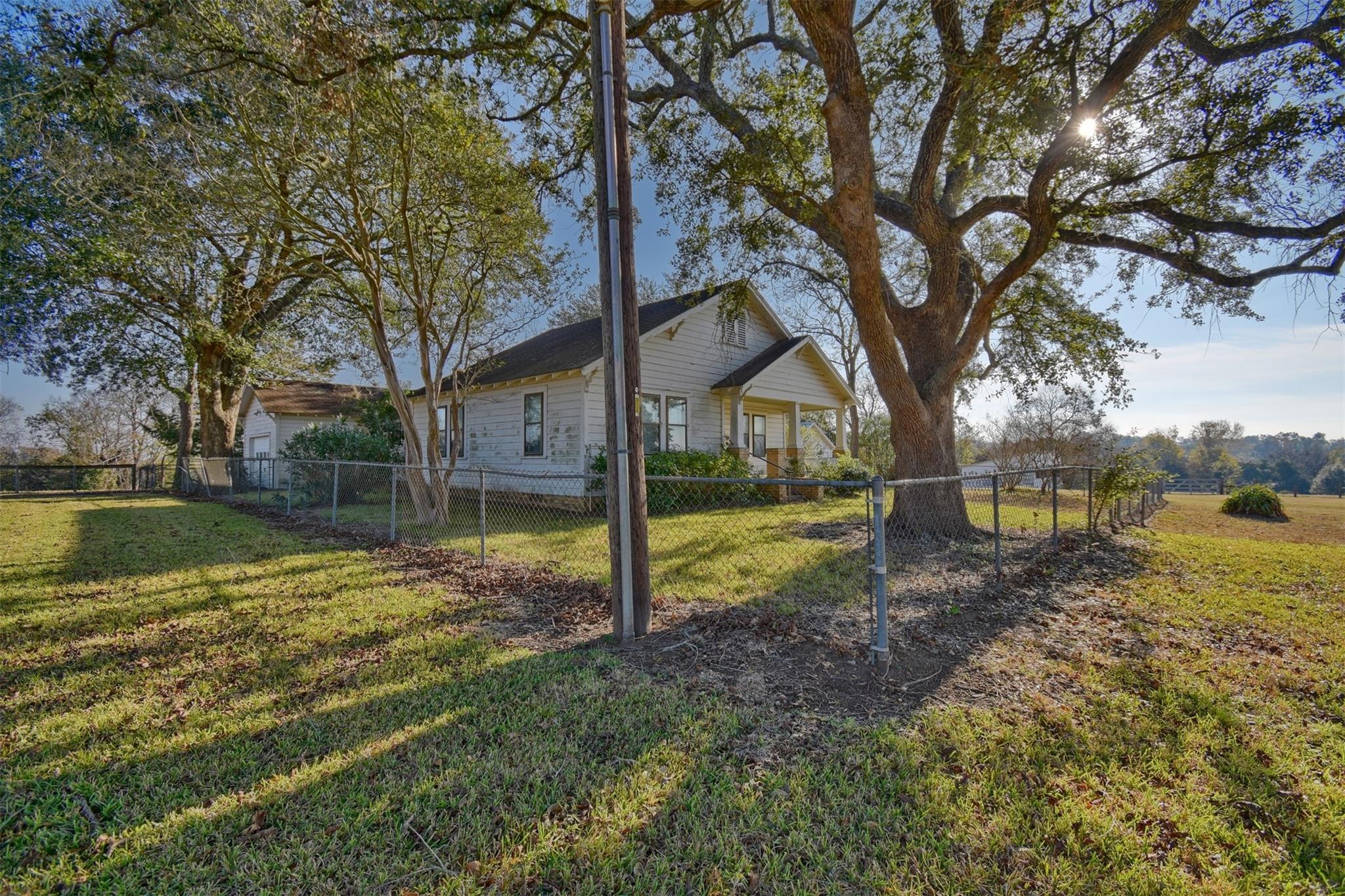 212 Landua Property Photo 1