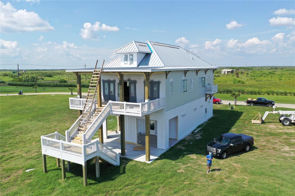 426 Seagrass, Crystal Beach, TX 77617 - Crystal Beach, TX real estate listing