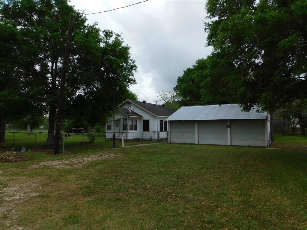 505 4th Property Photo - Louise, TX real estate listing