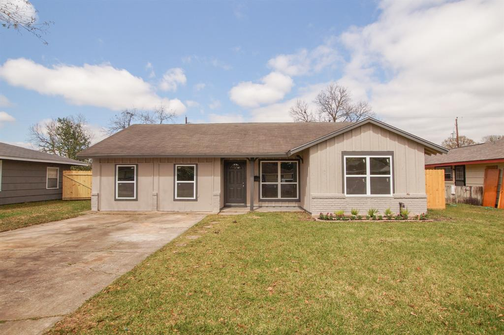3305 Cedarcrest Drive Property Photo - Pasadena, TX real estate listing