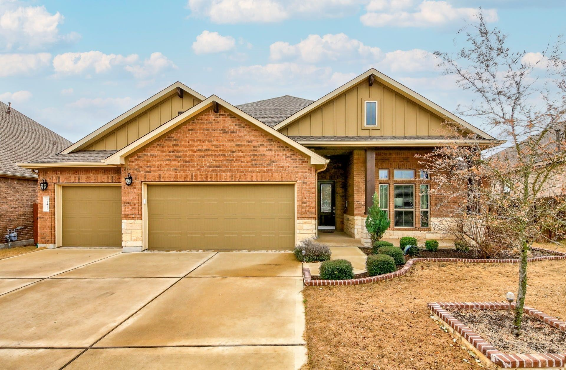 3417 Brown Dipper Drive Property Photo - Pflugerville, TX real estate listing