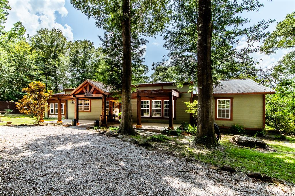 881 Horseshoe Way Loop Property Photo - Cleveland, TX real estate listing