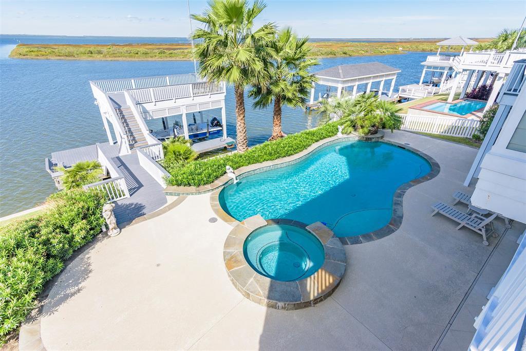 20710 E Sunset Bay Drive Property Photo - Galveston, TX real estate listing