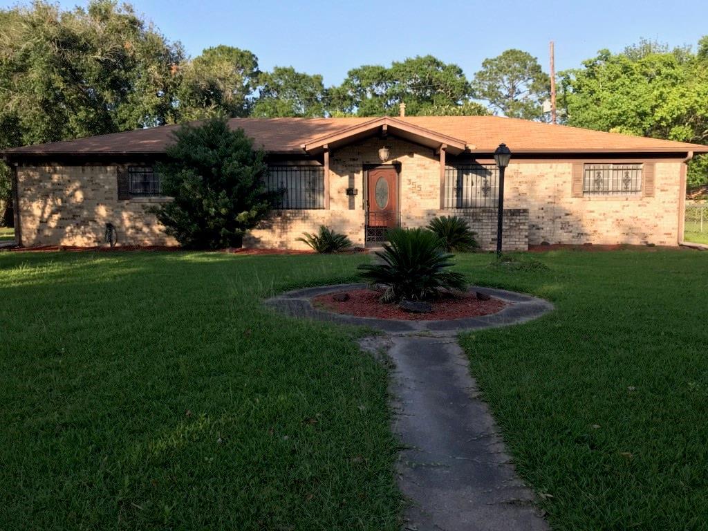355 Enfield Lane Property Photo - Beaumont, TX real estate listing