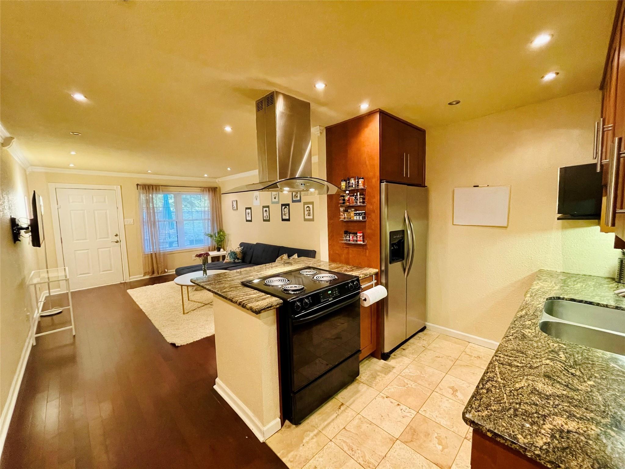 606 Marshall Street #B14 Property Photo - Houston, TX real estate listing