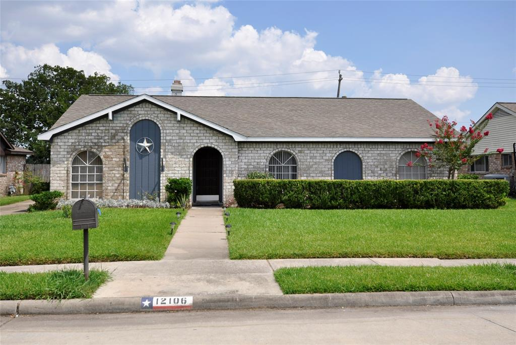 12106 Monticeto Lane Property Photo - Meadows Place, TX real estate listing