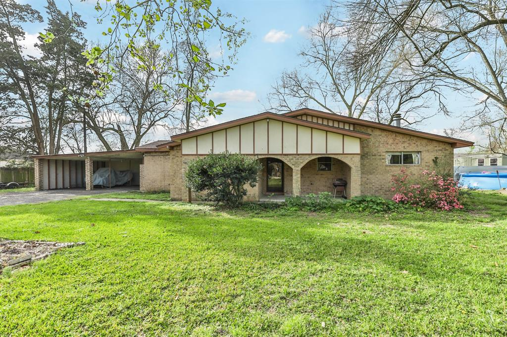 2726 Ladin Drive Property Photo - Houston, TX real estate listing