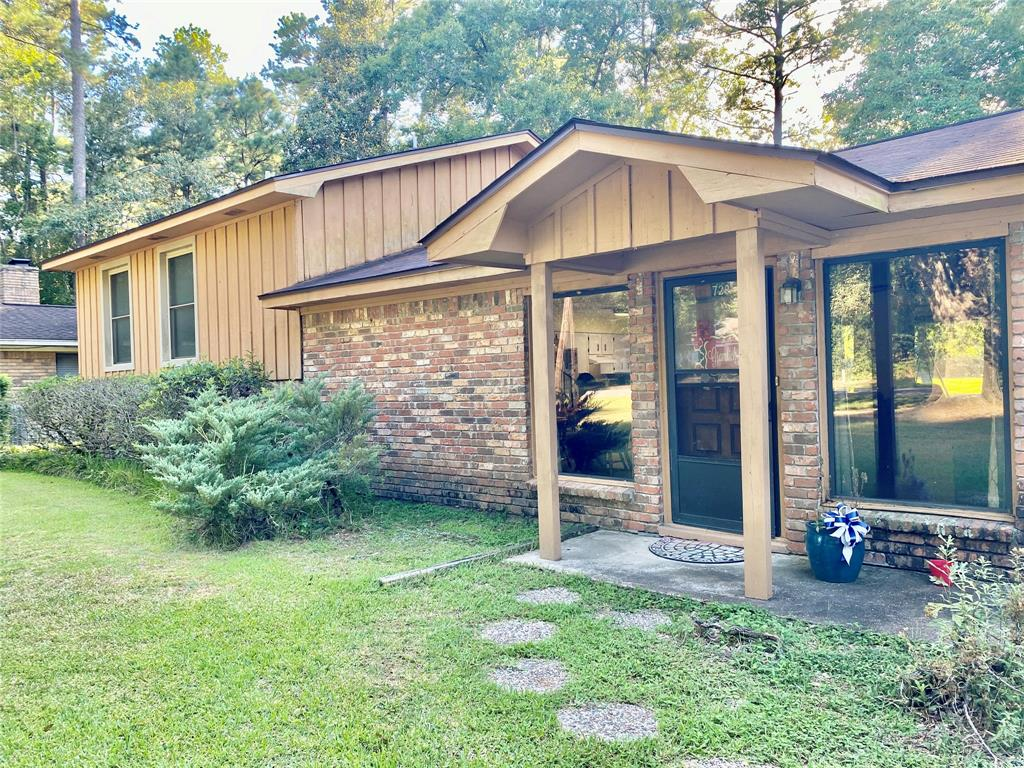 729 E Wildwood Drive Property Photo - Village Mills, TX real estate listing