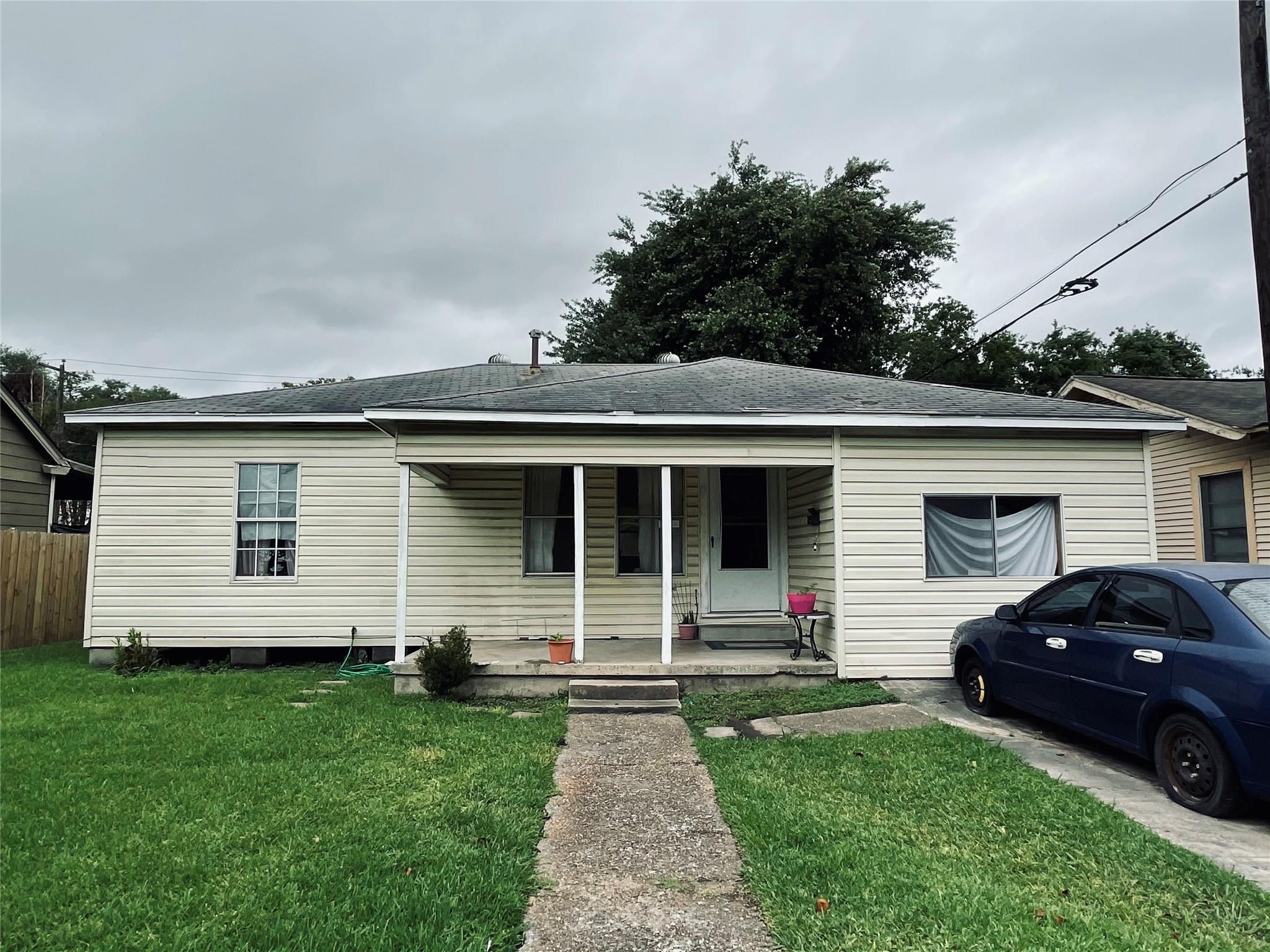 209 Westway Street Property Photo