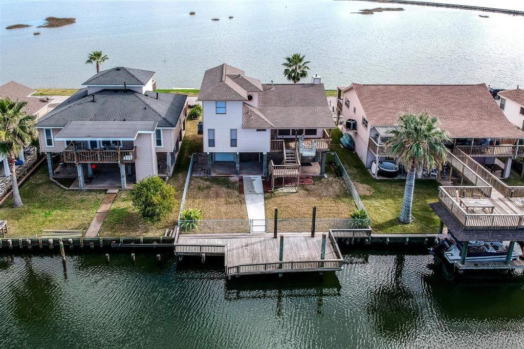 1307 Blue Heron Street Property Photo - Bayou Vista, TX real estate listing