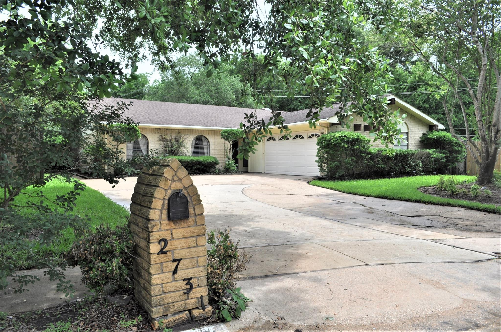 2731 Quiet Bend Drive Property Photo