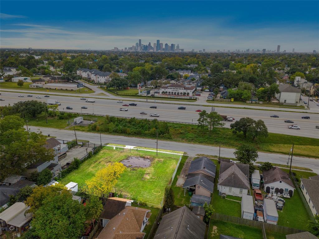 821 N Loop, Houston, TX 77022 - Houston, TX real estate listing
