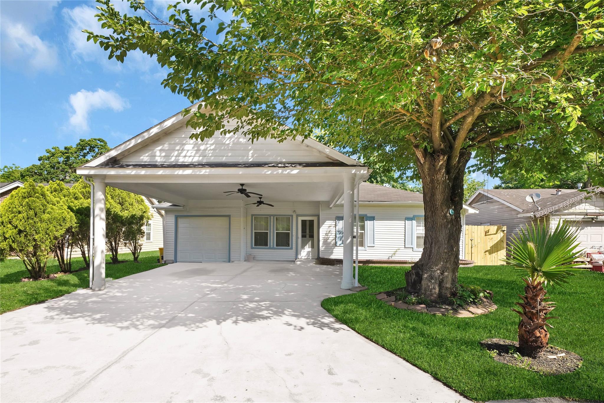 2417 Huntington Drive Property Photo