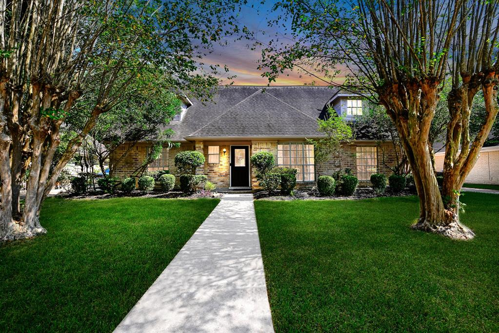 9115 Weymouth Drive Property Photo - Houston, TX real estate listing