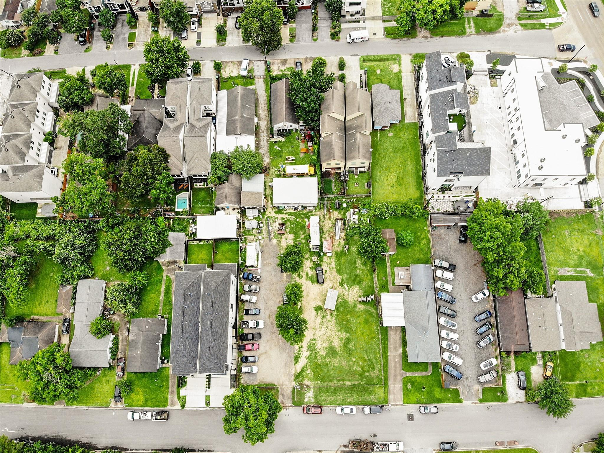 819 W 16th Street Property Photo