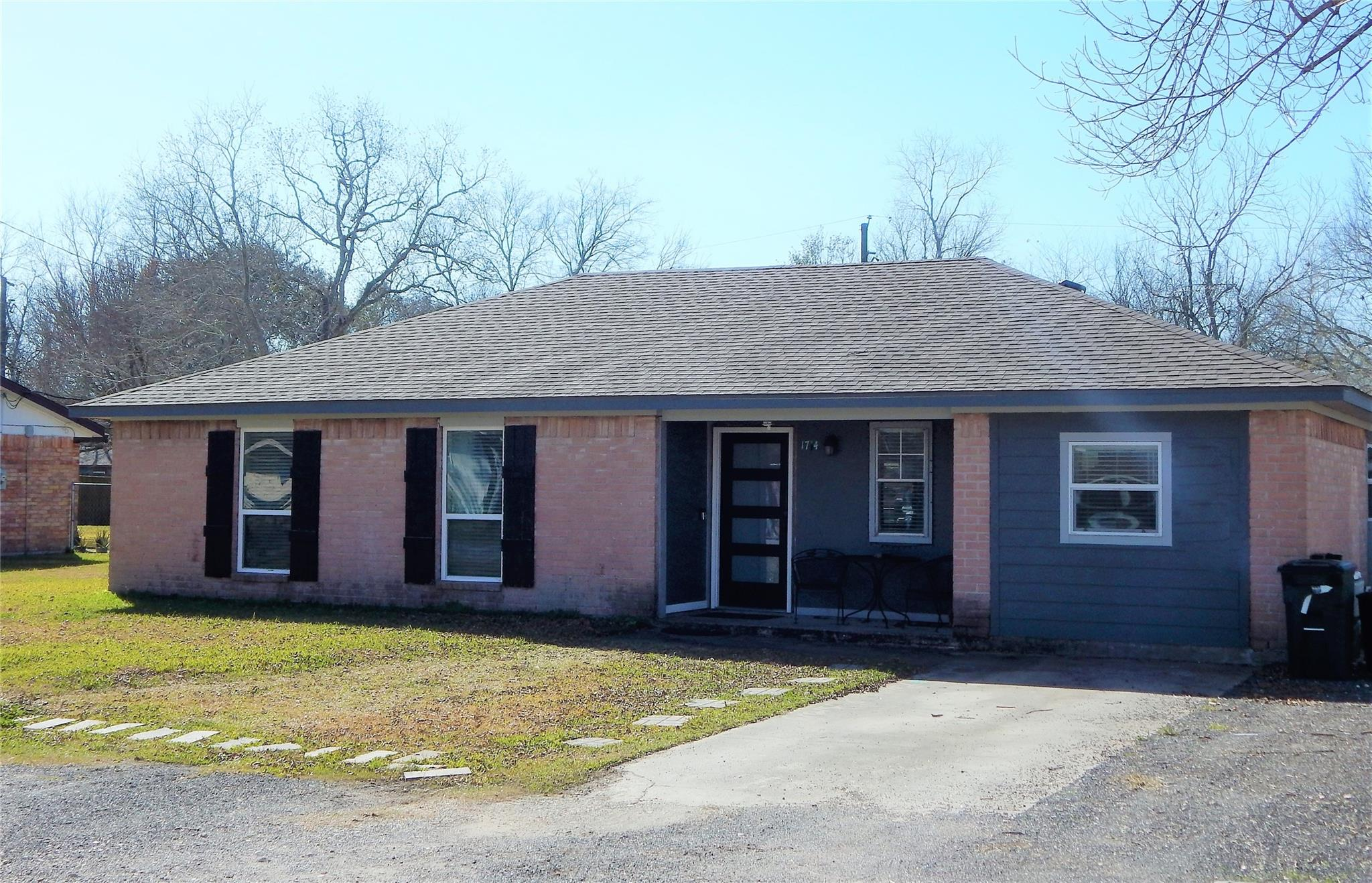 1714 Avenue B Property Photo - Danbury, TX real estate listing