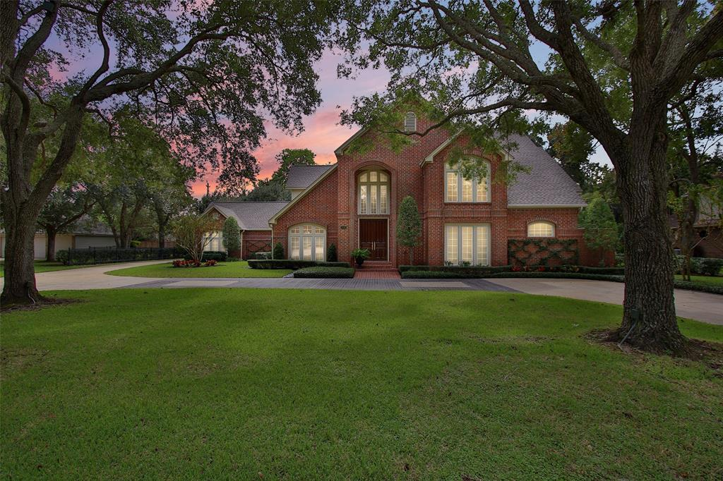308 Timbercreek Drive Property Photo - Lake Jackson, TX real estate listing
