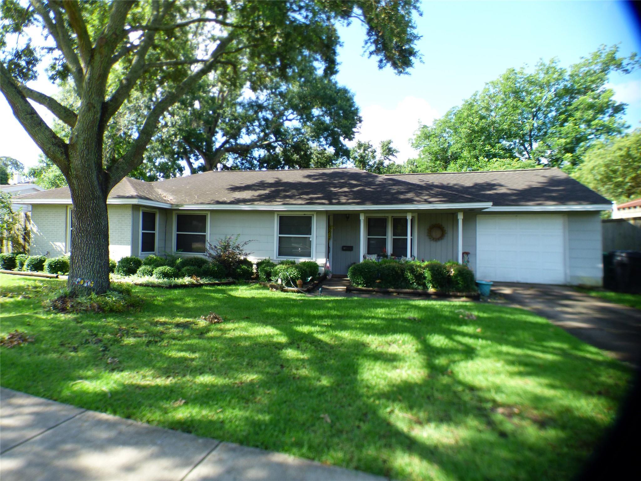 4019 Turnberry Circle Property Photo 1