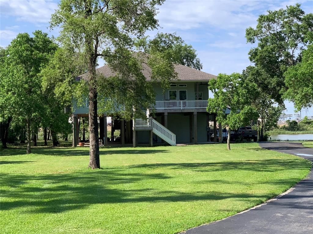 1227 S Country Club Drive Property Photo - Shoreacres, TX real estate listing