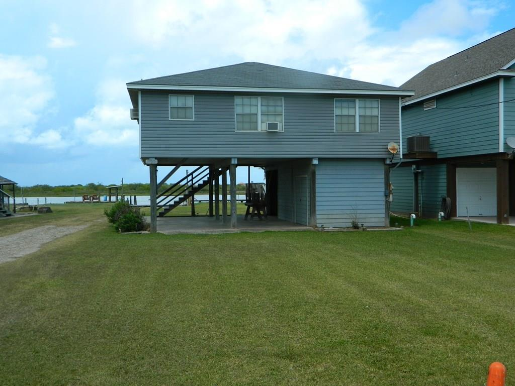 1878 County Road 201 Property Photo - Sargent, TX real estate listing