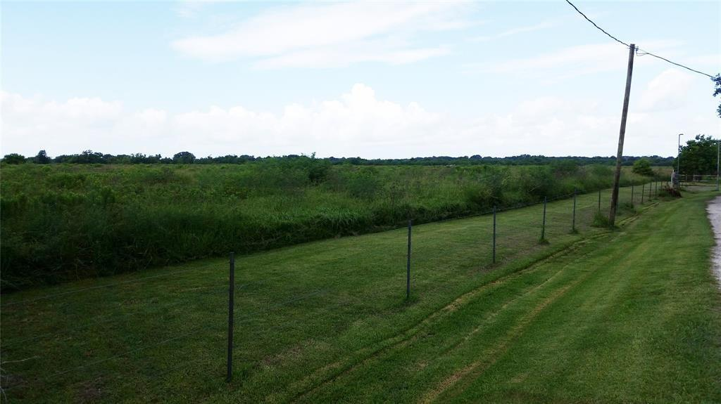 100 County Road 48 Property Photo - Angleton, TX real estate listing