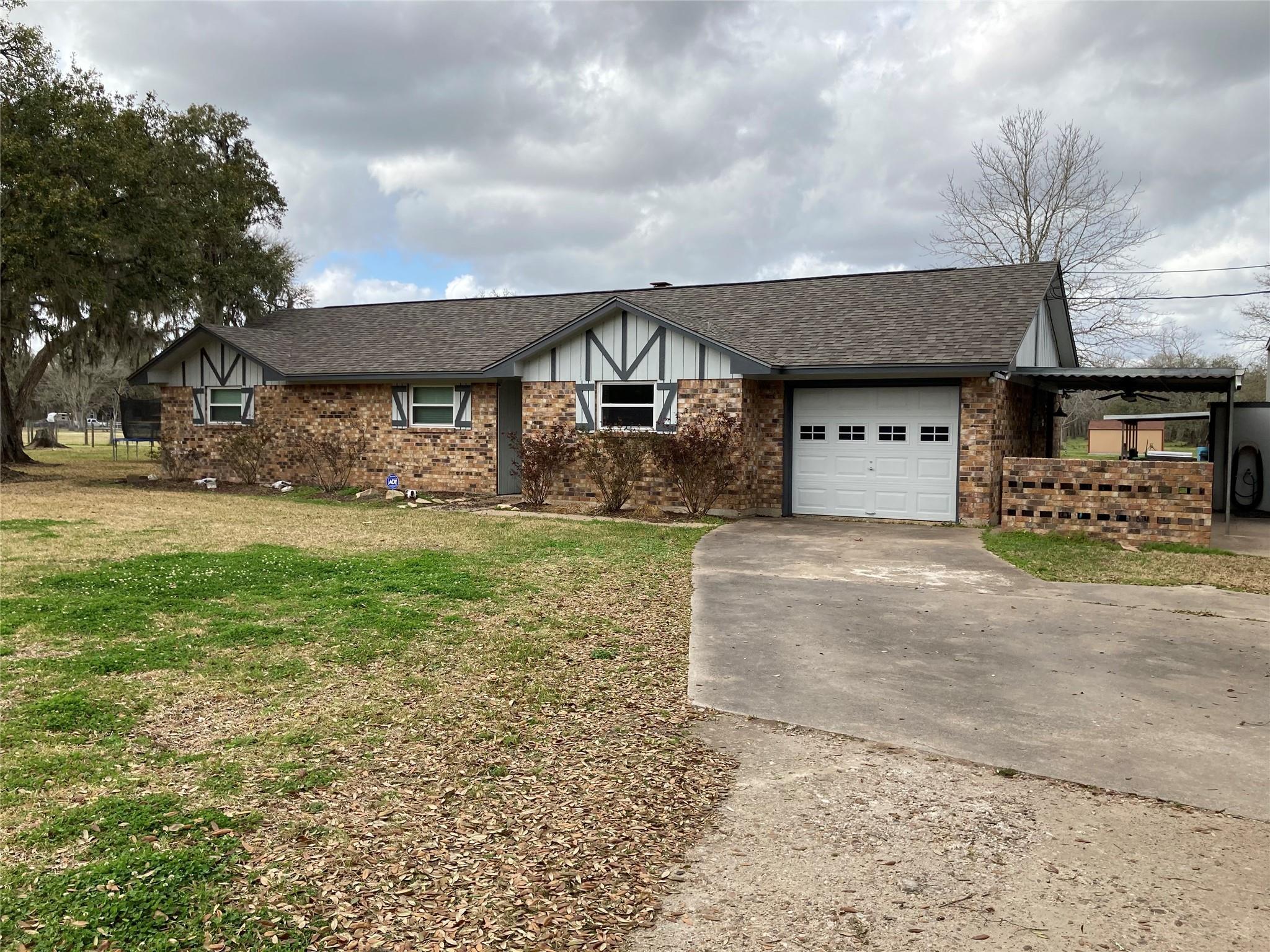 4602 County Road 347 Property Photo - Brazoria, TX real estate listing