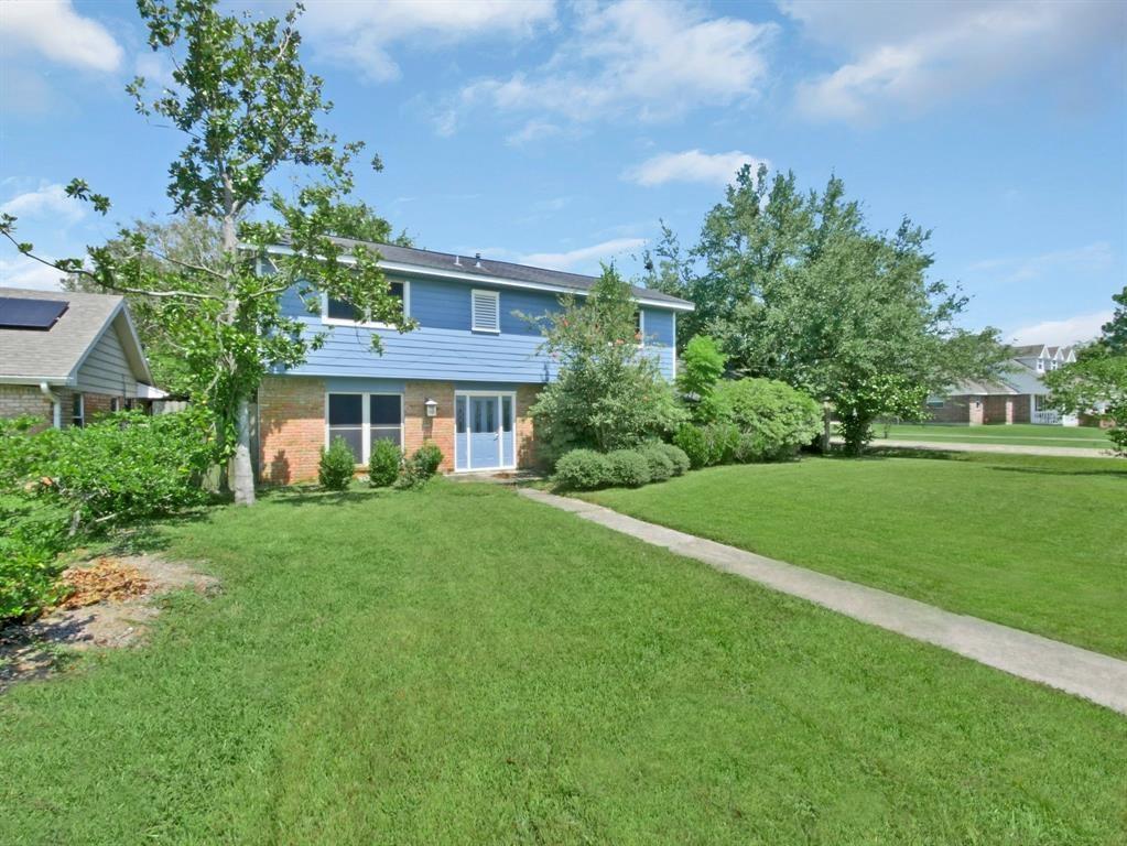 502 Baywood Street Property Photo - Shoreacres, TX real estate listing