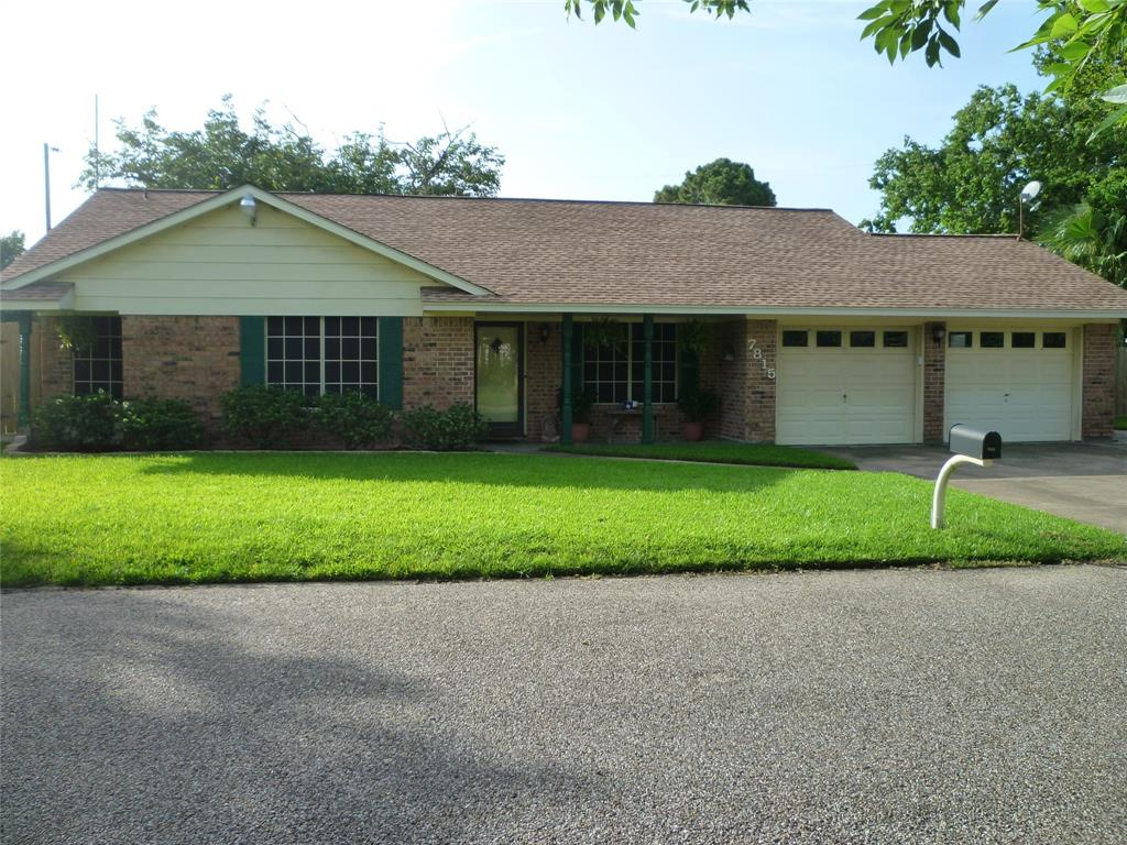 7815 Bayside Drive Property Photo - Beach City, TX real estate listing