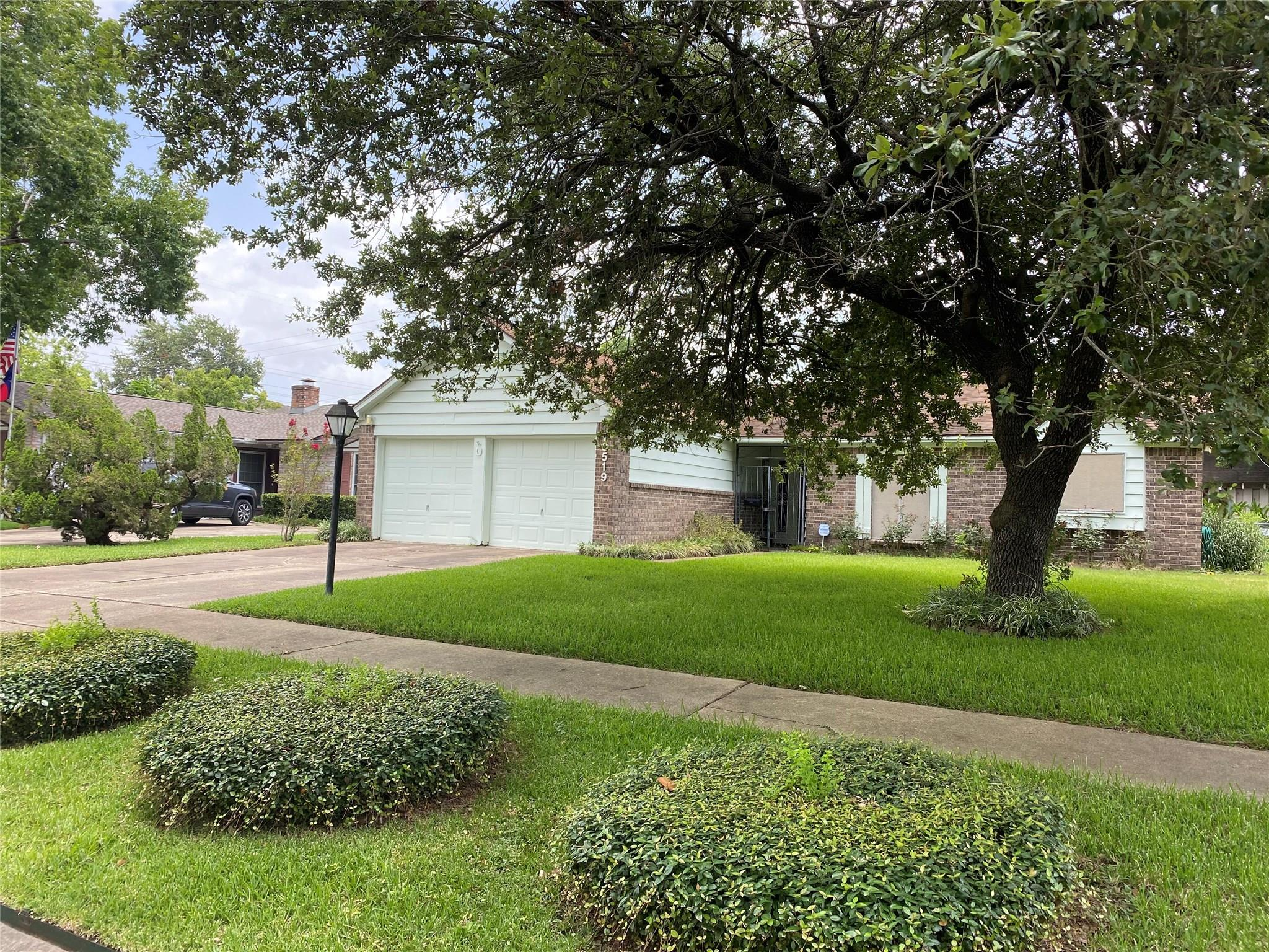 10519 Huff Drive Property Photo - Houston, TX real estate listing