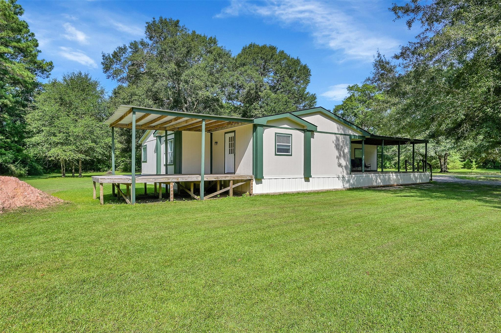20150 Red Oak Drive Property Photo 1