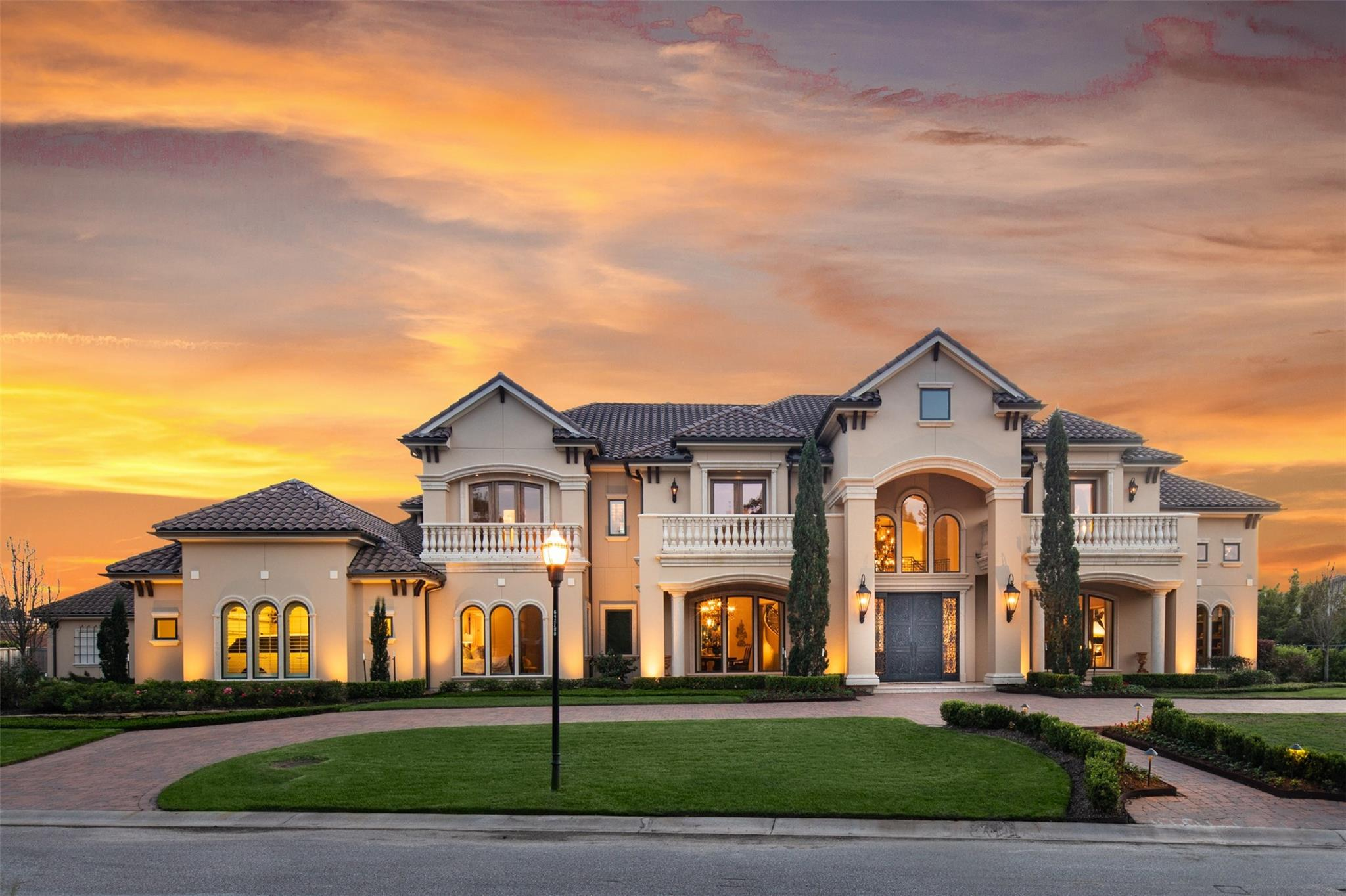 15019 Cathedral Falls Drive Property Photo - Cypress, TX real estate listing