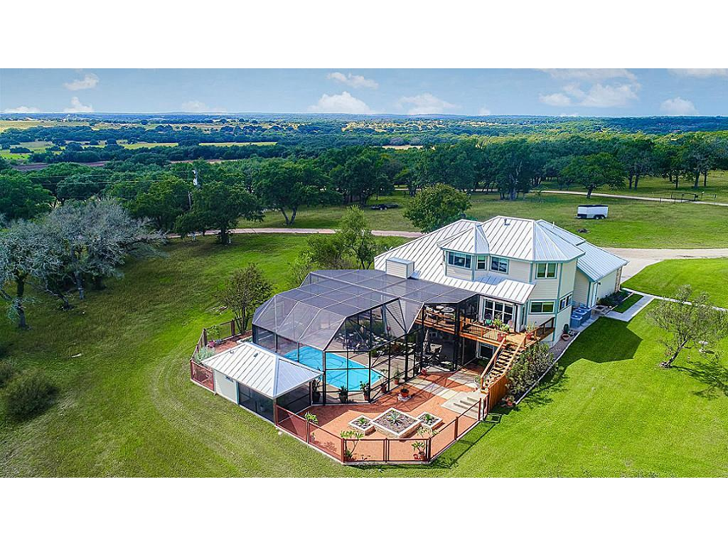 820 Brewer Property Photo - Fredericksburg, TX real estate listing