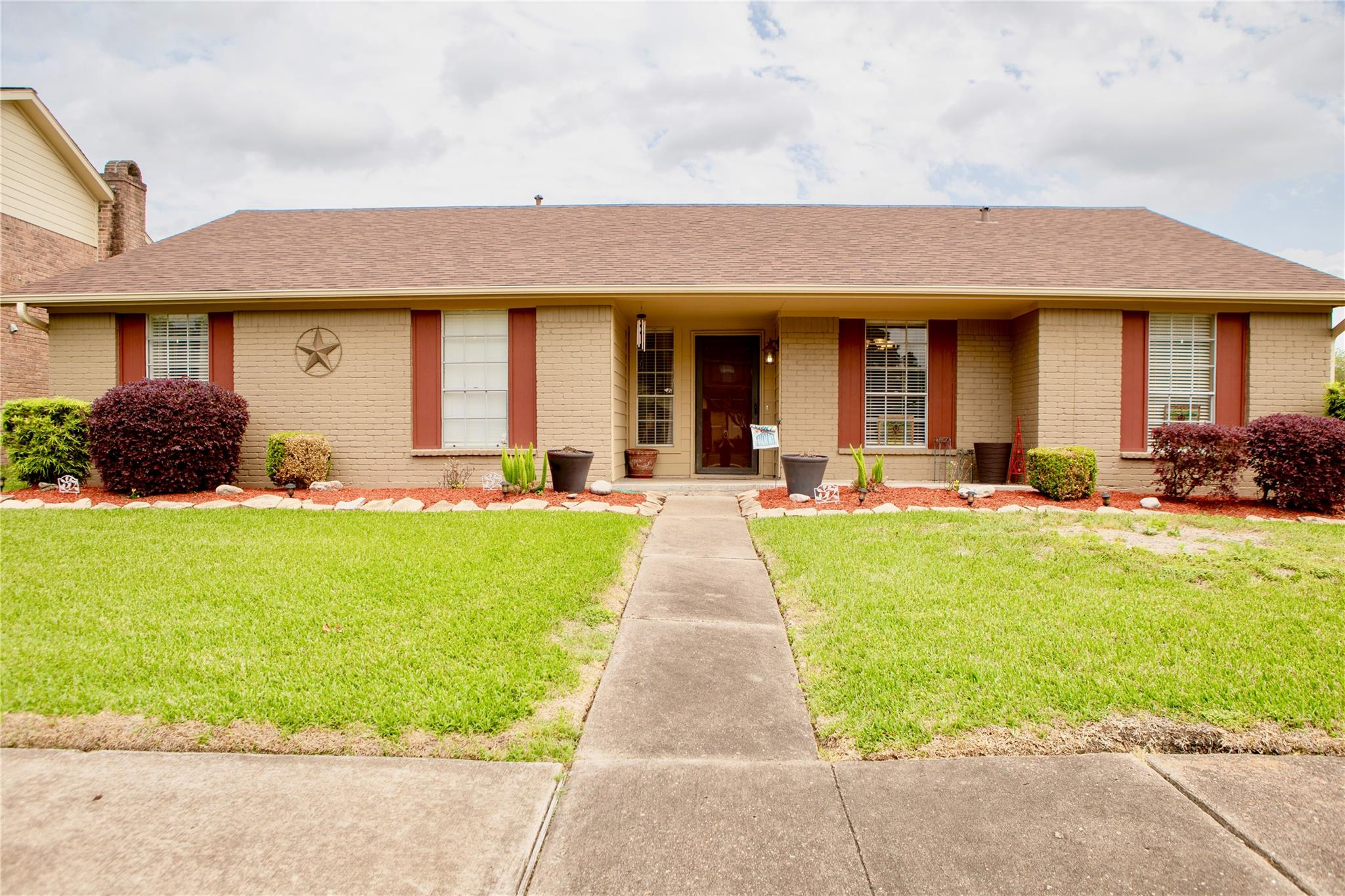 12226 Alston Drive Property Photo - Meadows Place, TX real estate listing