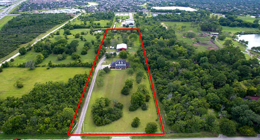 2730 Lawrence Road Property Photo