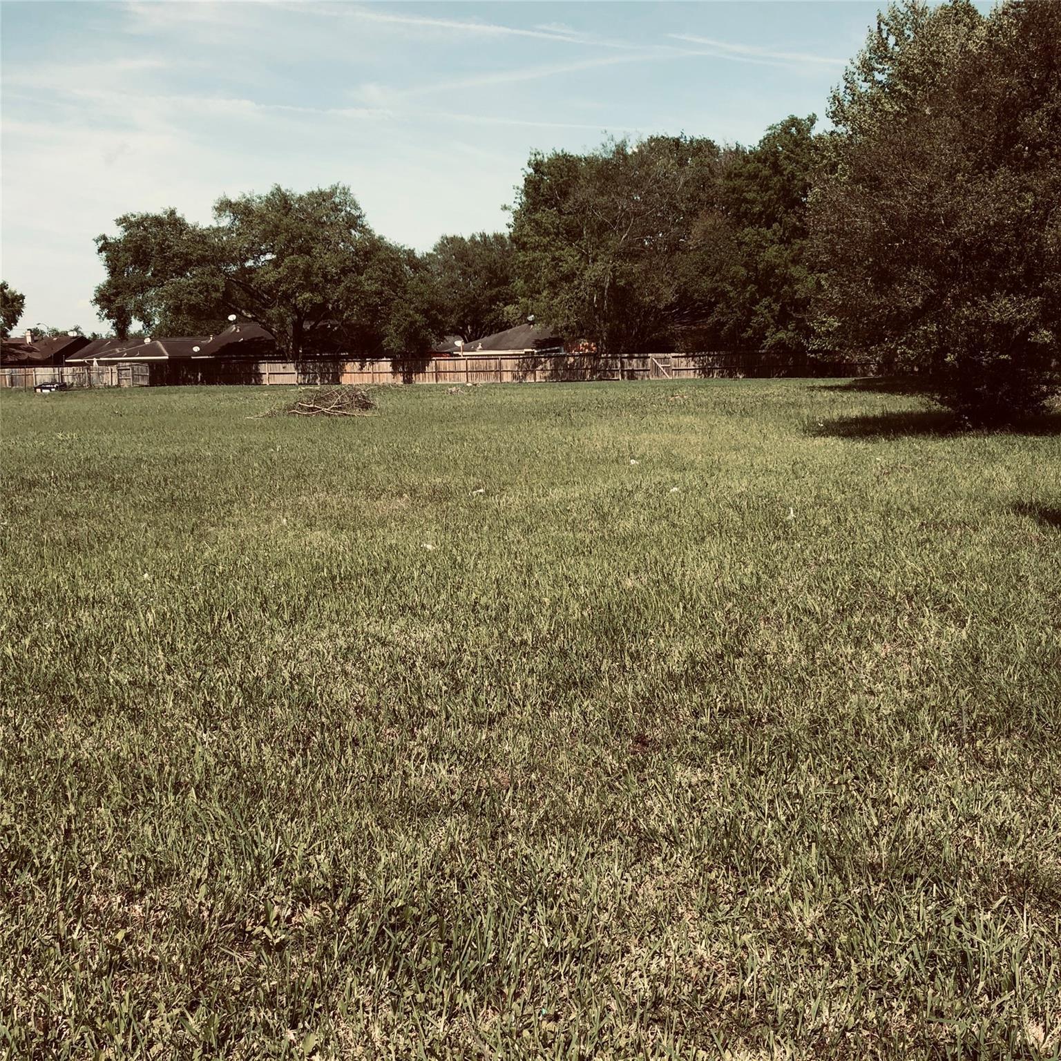 16246 Ella Boulevard Property Photo - Houston, TX real estate listing