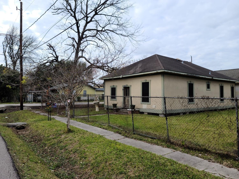 6503 Gainesville Street Property Photo