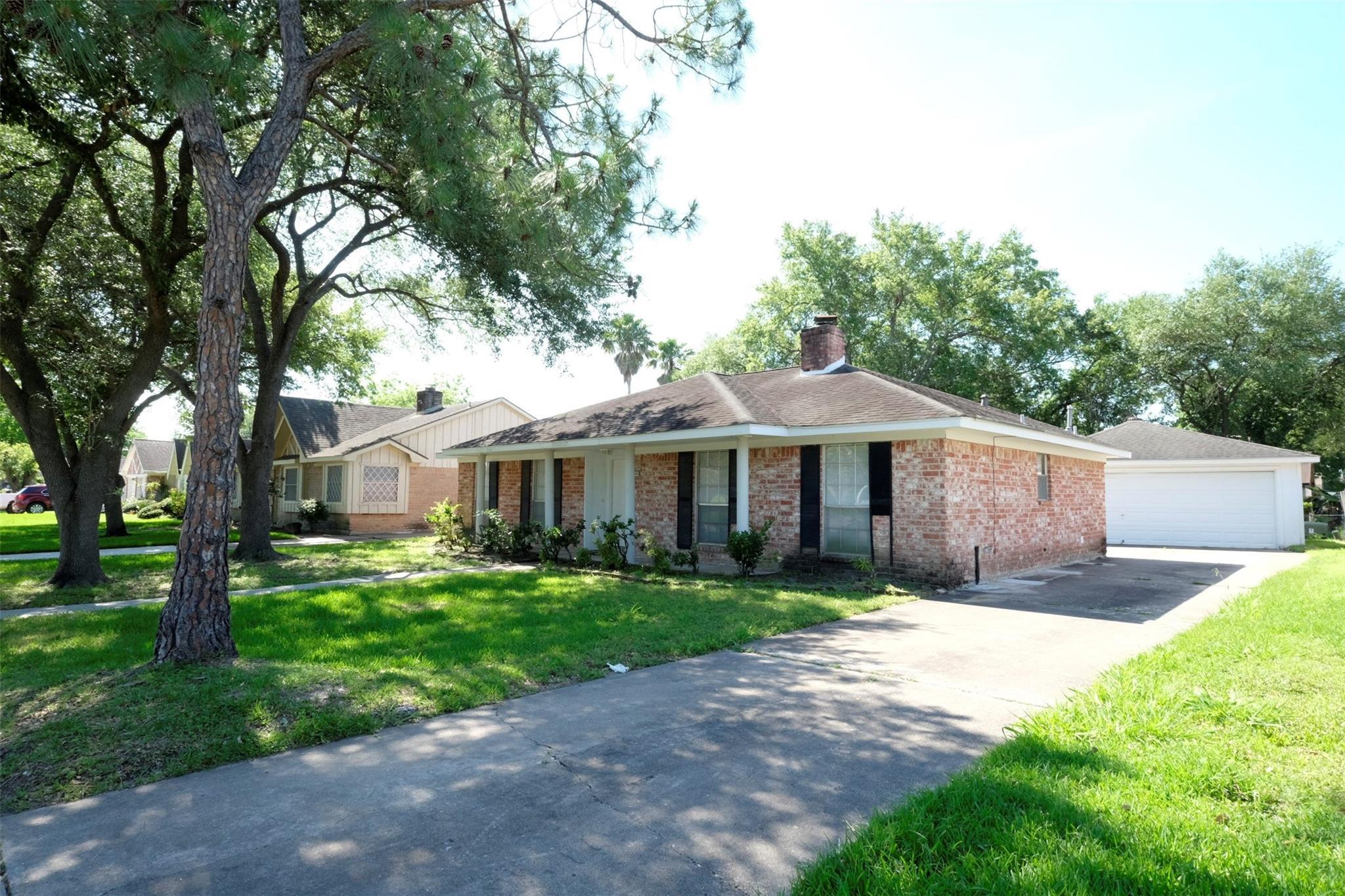 12331 Lima Drive Property Photo - Houston, TX real estate listing