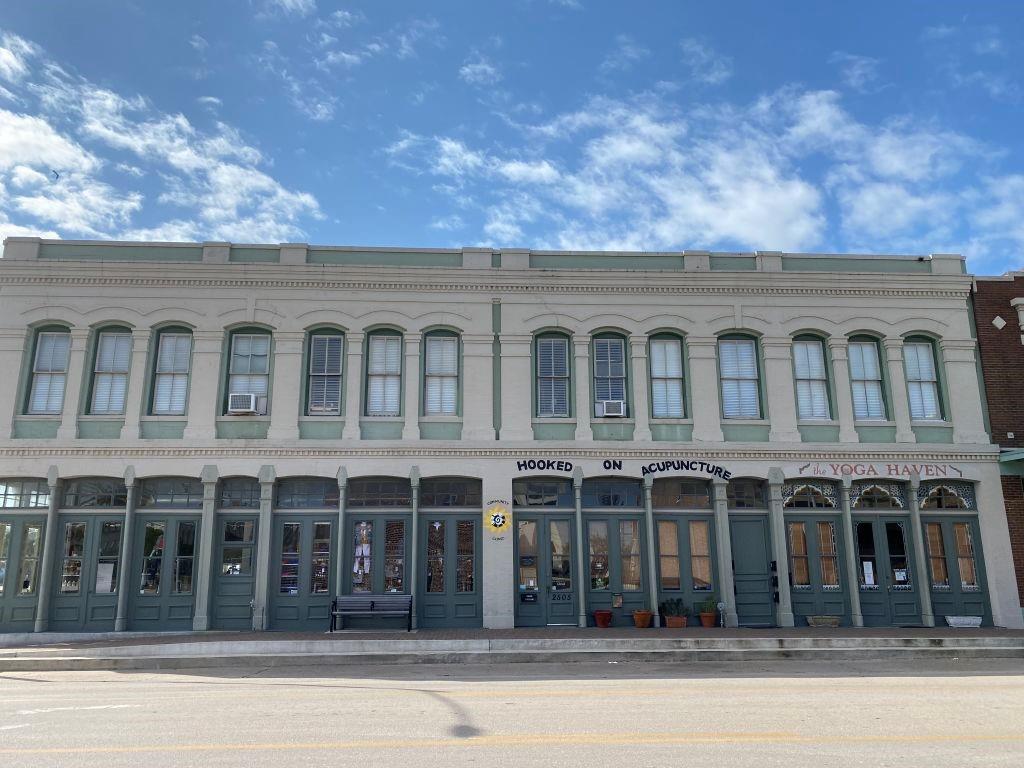 2505 Market Street Property Photo - Galveston, TX real estate listing